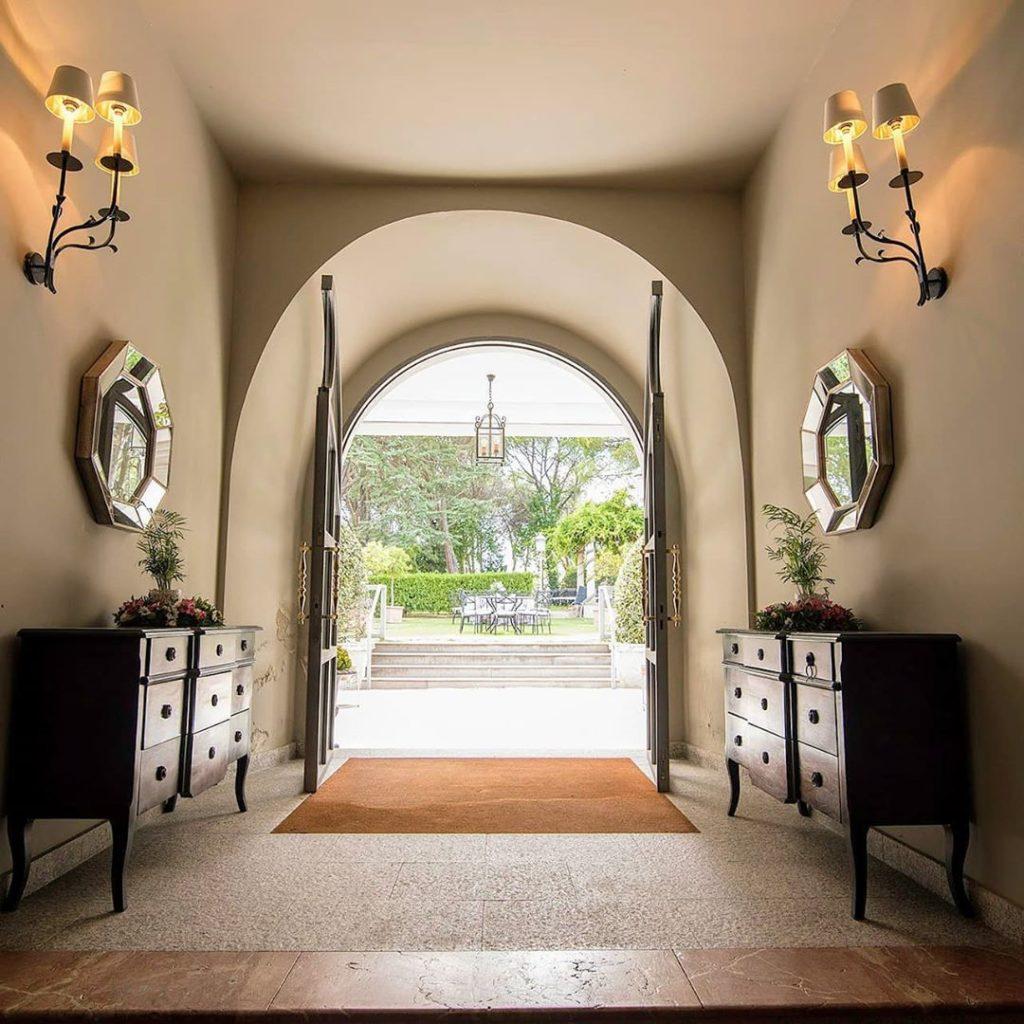 Entrada al interior del Palacio